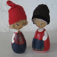 "Handpainted doll pair in folkdress of Toarp, Vastergotland, 5"" tall, 1 LEFT IN STOCK"