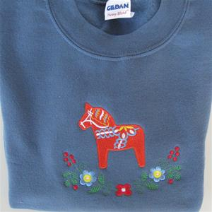 Sweatshirt, blue, with embroidered red Dalahorse, size: Small