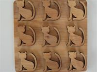 "alder trivet with cat design 6.5"" x 6'5"" Made in Sweden"